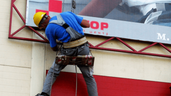 Монтаж и демонтаж конструкций, послегарантийное обслуживание